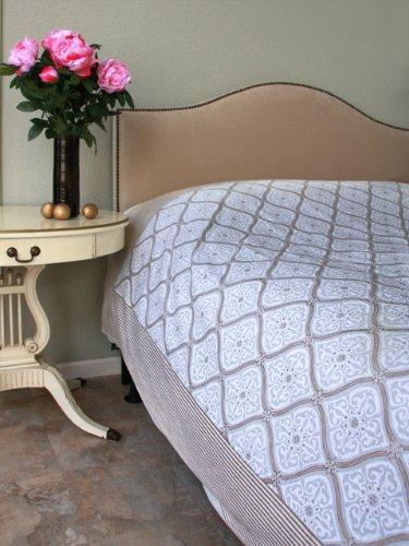 Vanilla Glace ~ White Gold Romantic Elegant Queen Bedspread 90X90 front-867606