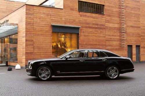 "Bentley Mulsanne (2010) Car Art Poster Print On 10 Mil Archival Satin Paper Black Side Static View 20""X15"""