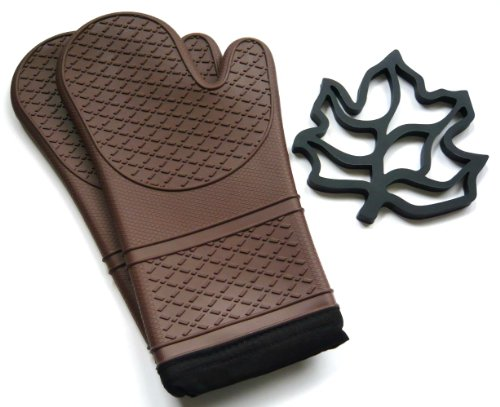 Silicone Oven Mitt and Trivet Set – Chocolate Brown – Heat and Cold Resistant, Water and Steam Proof. Flexible Cloth Lined Gloves with Long Cuffs. Contour Fit. Excellent Grip. Best Oven Mitts for Kitchen Cooking or BBQ Grill. Includes 1 Pair of Baking Mitts and 1 Pot Holder (Brown)