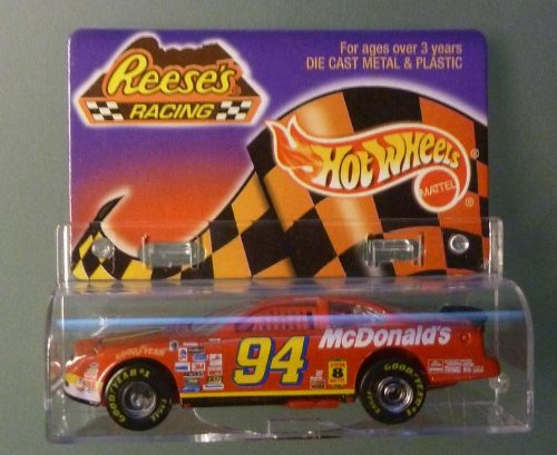 Hot Wheels - Reese's Racing - Bill Elliott - 1/64 Scale Die Cast Replica Race Car - NASCAR