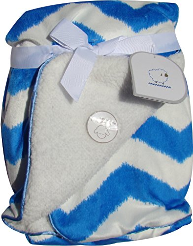 "Soft Sherpa Baby Blanket ""Mini Chevron Boys"" Blue/white Reversible"