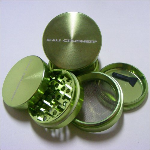 Med. Authentic Cali Crusher Ultra Premium Luxury Herb Grinder 4 Piece GREEN (cc-6-GRN)