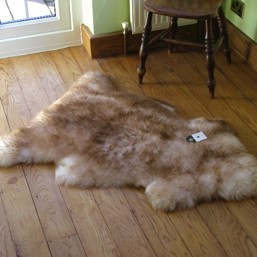 LARGE SINGLE SHEEPSKIN/LAMBSKIN RUG 1.1M x 0.85M (APPROX) WOLF / BROWN TIP