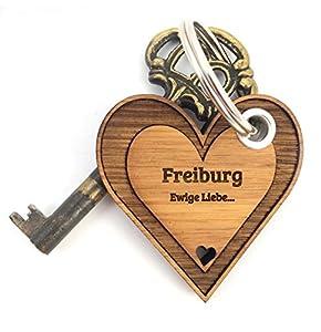 Mr. & Mrs. Panda Schlüsselanhänger Stadt Freiburg Herz - Herz, Liebe, Herzchen Schlüsselanhänger, Anhänger, Geschenk, Fan, Fanartikel, Souvenir, Andenken, Fanclub, Stadt, Mitbringsel