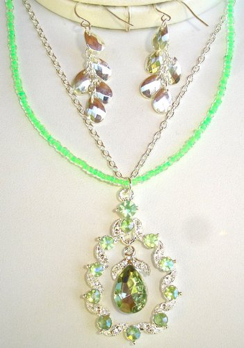 Tear Drop Green Necklace Earrings Set