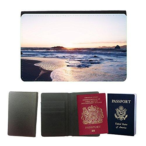 pu-supporto-di-cuoio-del-passaporto-con-slot-per-schede-m00421436-cote-shore-waves-mousse-pulverisat