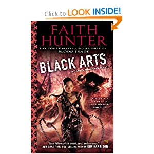 Black Arts (Jane Yellowrock) by Faith Hunter