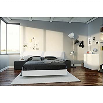Nexera Melrose 5 Piece Full Bedroom Set in White and Black With 4 Drawer Chest