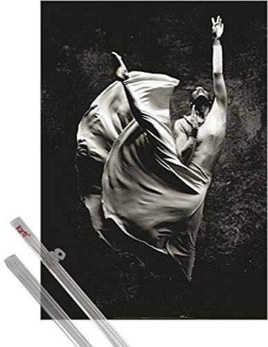 Stampa d'arte + Sospensione : Danza Stampa d'arte (70x50 cm) Dancer Ballerina, Stephen Wilkes e coppia di barre porta poster 1art1®