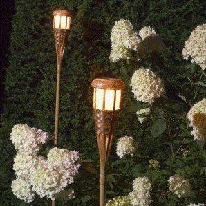 tikki fackel garten solarfackel lampe im coolen bambus. Black Bedroom Furniture Sets. Home Design Ideas
