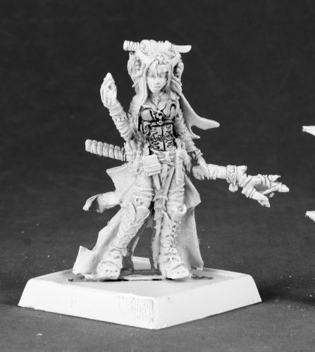 Pathfinder Miniatures: Feiya, Iconic Human Witch by Reaper - 1