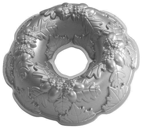 Nordic Ware Platinum Autumn Wreath Bundt Pan, Garden, Lawn, Maintenance