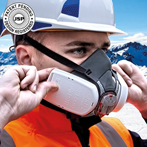 High Performance FORCE 8 Dust Mask, Complete With Twin P3 (98%) Dust Filters.