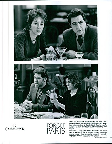 vintage-photo-of-cynthia-stevenson-joe-mantegna-richard-masur-and-julie-kavner-star-in-a-1995-romant