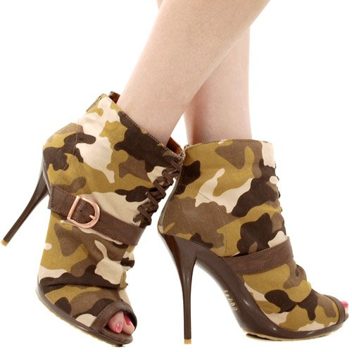 Logan Camo Lace Up Ankle Bootie BROWN