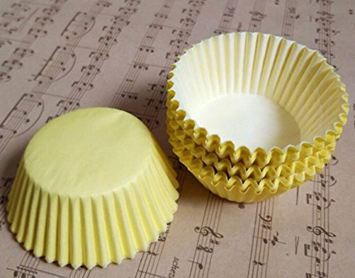 100 PCS Small Solid Color Paper Tray Muffin Cake CUP CAKE High Temperature Resistant Paper Cup -Yellow+Key Chain