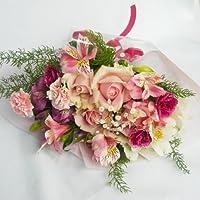バラと、カーネーションとガーベラ、ひまわりなど季節の花のお任せ花束10時までのご注文で (休業日は不可)