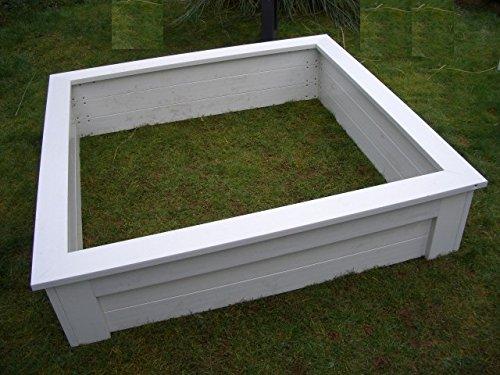 Sandkasten, gross, weiss, aus strapazierfähigem, wetterfestem, pflegeleichtem langlebigem Kunststoff. 150x150x39 cm Sitzbreite 12 cm Vierteiliger Bausatz.