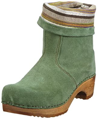 green stiefel