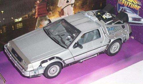 Welly 22443 - Sammlermodell DeLorean Back to the Future Teil 1 1/24 aus Metall