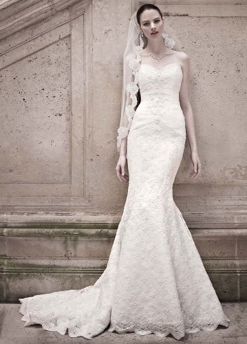 David's Bridal Wedding Dress: Sweetheart Beaded