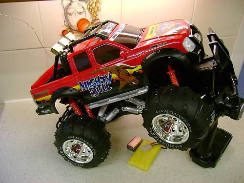 MONSTER 4x4 BIGFOOT RADIO REMOTE CONTROL CAR TRUCK MIGHTY BULL RED/YELLOW/BLUE