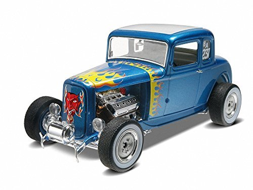 Revell Monogram 1:25 Scale 1932 Ford 5 Window Coupe 2-in-1 Plastic Model Kit by Revell-Monogram (1932 Ford 5 Window Coupe compare prices)