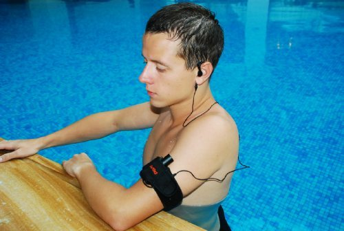 GSI Waterproof 2 GB MP3 Player, Sleek Aluminum Body, for Underwater Swimming/Sports + Fashionable Multi Functional Armband Case + Waterproof In-Ear Headphones/Earphones, Connects to all Audio, iPod/iPhone/iTouch/MP3