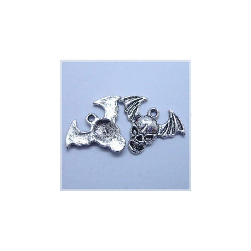10Pcs Tibetan silver Skull Design Charm Pendant Beads Findings (18mm x 2mm )