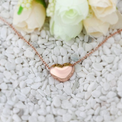 18K Rose Gold Plated Sleek Small Heart Shaped Pendant Necklace