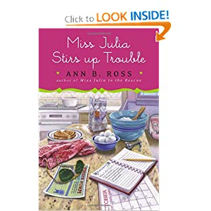 Miss Julia Stirs Up Trouble - Ann B. Ross