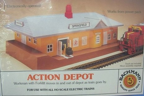Bachmann Action Depot W/ Forklift Ho Scale Electric Train Accessory