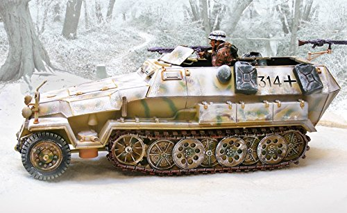 wwii-toy-soldiers-battle-of-the-bulge-german-hanomag-winter-collectors-showcase-toy-soldiers-painted