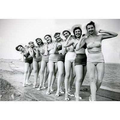 (11x17) Bathing Beauties Archival Photo Poster Print