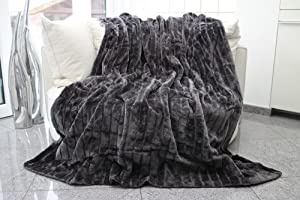 felldecke grau hochwertige kuscheldecke decke. Black Bedroom Furniture Sets. Home Design Ideas