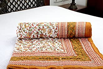 Jodhaa Singles Cotton Quilt / Razai in Floral print in White / Brown