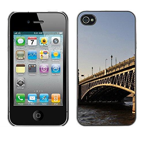 Qcase Slim Pc / Aluminium Sleek Case Cover Armor Shell -- Architecture London Bridge -- Apple Iphone 4