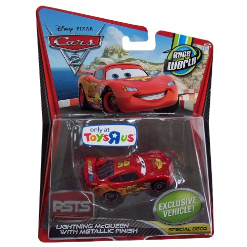 Disney / Pixar CARS 2 Movie Exclusive 155 Die Cast Car Lightning McQueen with Metallic Finish