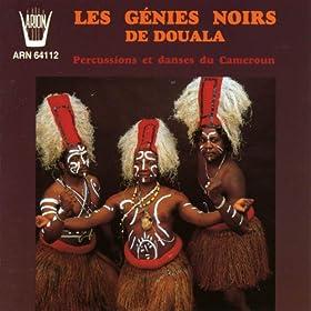 Les g�nies noirs de Douala : Percussions et danses du Cameroun