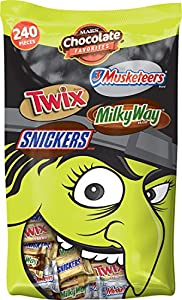 Mars Chocolate Halloween Candy Variety Mix (Twix, Snickers, 3 Musketeers, and Milky Way), 240 Pieces