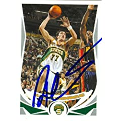 Vladimir Radmanovic Autographed Hand Signed Basketball Card (Seattle Sonics) 2004...