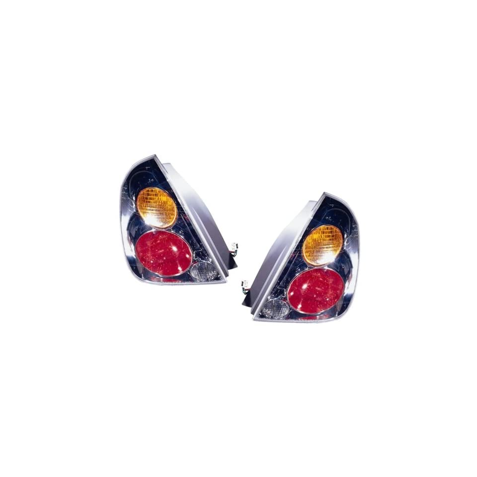 Nissan Altima Replacement Tail Light Assembly   1 Pair