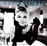 オードリー・ヘプバーン 2017年 カレンダー 壁掛け Audrey Hepburn グッズ かわいい 可愛い ローマの休日 ティファニーで朝食を 海外 セレブ お洒落 オシャレ インテリア プレゼント ギフト