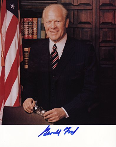 Gerald Ford Signed Autographed 8 X 10 Reprint Photo - Mint Condition (Gerald Ford Autograph compare prices)