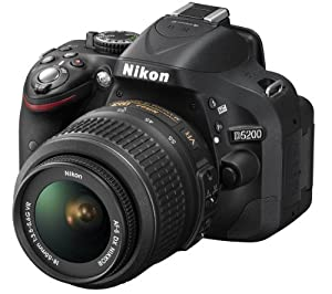 NIKON D5200 + AF-S VR DX 18-55 mm lens + 3 YEARS WARRANTY