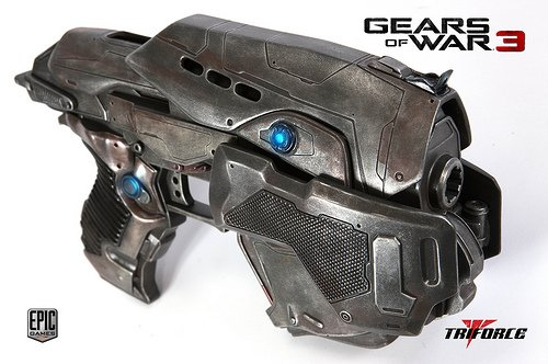 Gears of War 3: COG Snub Pistol Replica