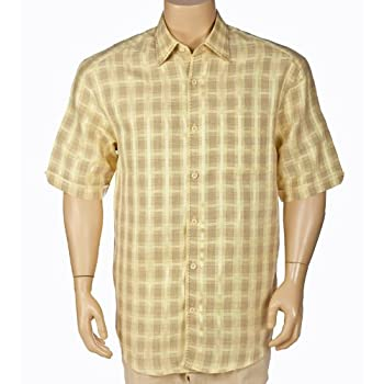 Short sleeves mens plaid shirt.
