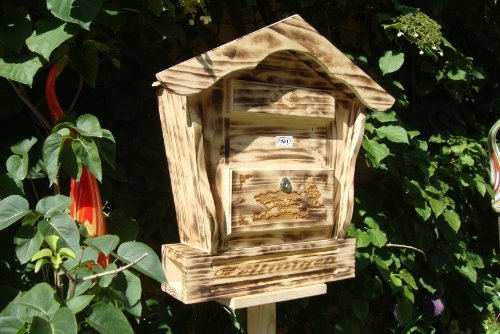 hbk-sd-geflammt-wooden-letterbox-flamed-wood-black-natural-pointed-roof