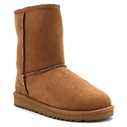 UGG Australia Girls\' Classic Short Kids Chestnut 8 Toddler