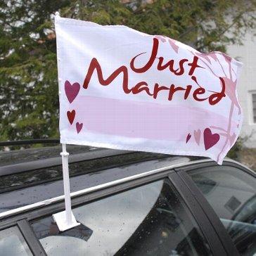 Autoflagge Hochzeit - Autoflagge mit der Aufschrift Just married in Rot-Wei�